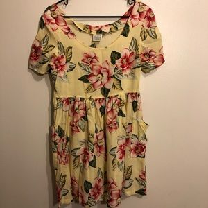 Dresses & Skirts - Vintage pastel flower dress